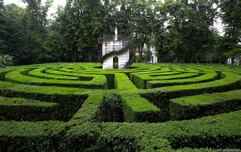 the most incredible green labyrinths in italy ecobnb