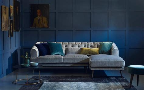 style  dark   embrace wintry colours   interior