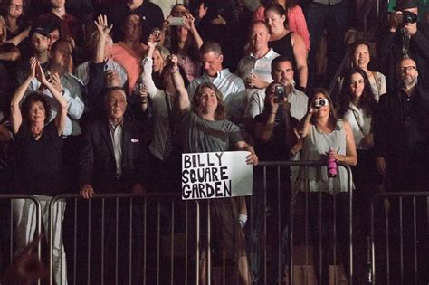 Billy Joel Is No Fan Of The National Anthem by Photos Billy Joel Sets Record For Most