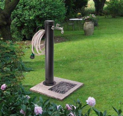 rubinetti per giardino oltre 25 fantastiche idee su fontane da giardino su
