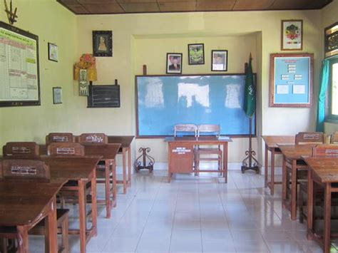 tata ruang kelas sd yang menarik gambar menghias kelas gambar ruang kelas sekolah dekorasi