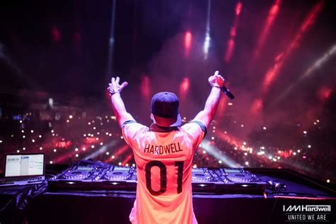 movies in motion dj hardwell vid hardwell returns to roots in diplo and friends mix edm