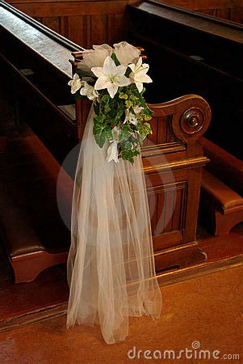 Best 20  Pew Decorations ideas on Pinterest   Wedding pew