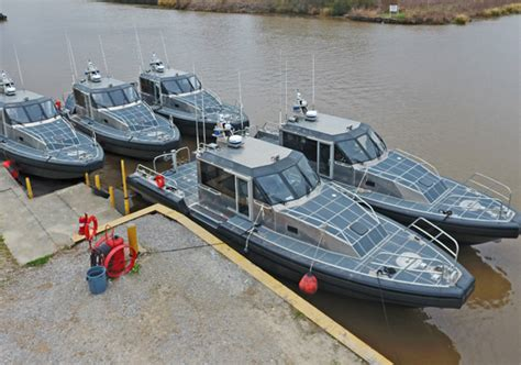 small bay boats for sale military boats metal shark