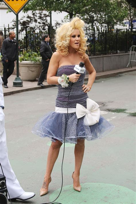 jenny mccarthy prom jenny mccarthy promotes new prom radio channel in new york