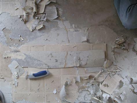 removing old linoleum flooring
