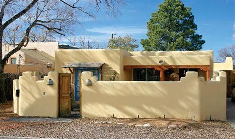 pueblo style homes pueblo revival houses in santa fe stucco walls adobe