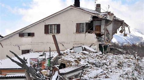 imagenes en movimiento de un terremoto terremoto italia cuatro se 237 smos sacuden el centro de italia
