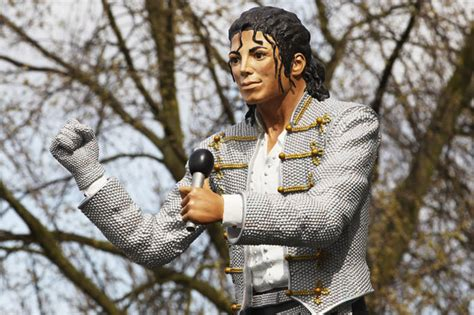 craven cottage michael jackson michael jackson s fulham statue story revealed by brede