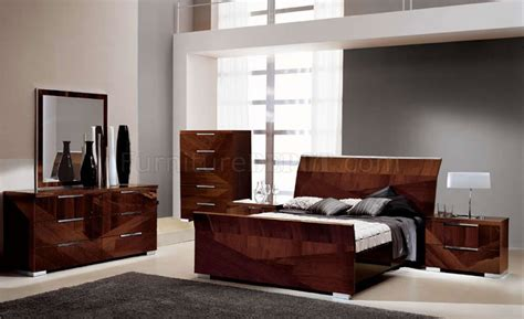 modern high gloss finish queen bedroom set made in italy capri bedroom in walnut high gloss by esf w optional items