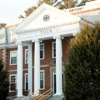Dartmouth Tuck Mba Essays by Early Thoughts On Dartmouth Tuck S 2016 2017 Application