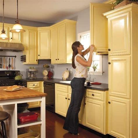 what is a gable in kitchen cabinets comment peindre les placards de cuisine bricobistro