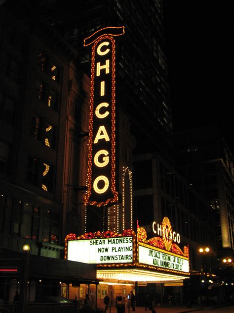 house music chicago clubs file 20070719 chicago theatre jpg wikimedia commons
