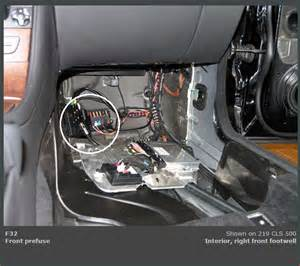 mercedes benz cls 550 is there a battery jump point under