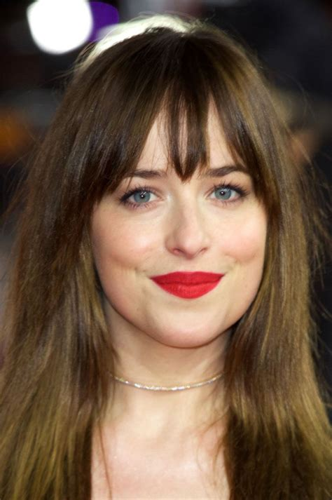 dakota johnson hairstyles and face shape dakota johnson proves that body con is cool again