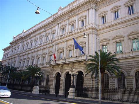 sofferenze banche italiane banche sofferenze italia sono da paese in guerra ofcs