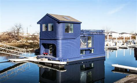 houseboats nyc rent the ziggy stardust rockaway houseboat for 850 a