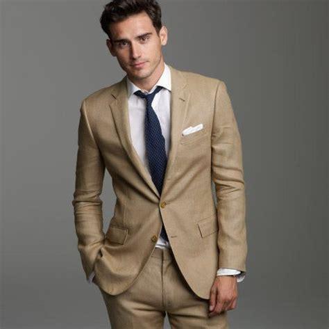 Best shirt/tie combination for khaki linen suit at