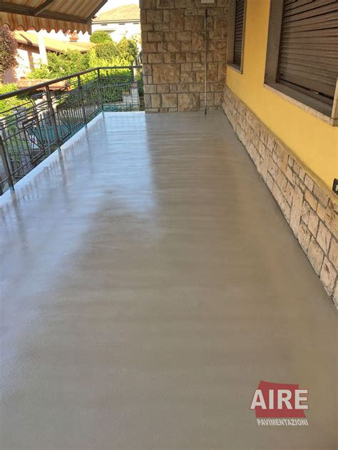 resine per terrazzi esterni pavimenti in resina per esterni
