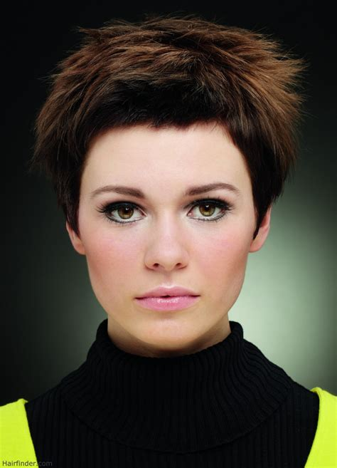 short hair cuts short shag haircuts4 229x300 short shag short hairstyle with chunky ends hairfinder photos of
