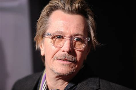 gary oldman actor gary oldman pictures premiere of warner bros pictures