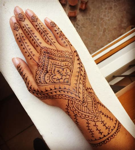 how is a henna tattoo done how do henna tattoos last 75 inspirational designs