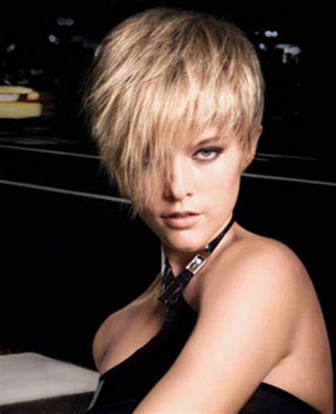 short haircuts cut toward the face hairstyles for oval faces