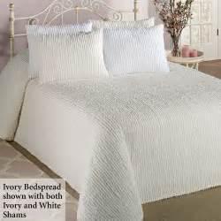 Amazon Red Rugs White Chenille Bedspreads Queen Decor Ideasdecor Ideas