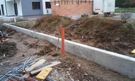 Sockel Betonieren Anleitung by Sockel F 252 R Gartenzaun M 246 Glichkeiten Bauforum Auf Energiesparhaus At