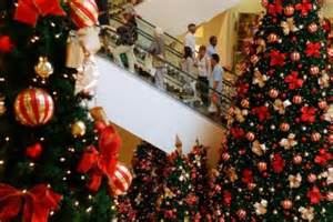 west australians spend 20 per cent more this christmas as