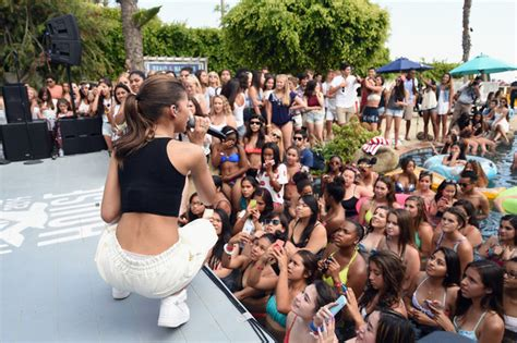 zendaya house zendaya performs at hollister house zimbio