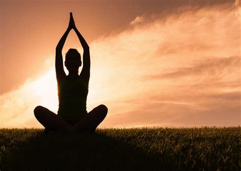 2412039267 yoga pour une vie qui les exercices de yoga l accompagnement d une vie plus