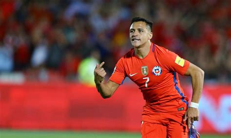 alexis sanchez vs southton arsenal s alexis sanchez scores twice for chile against