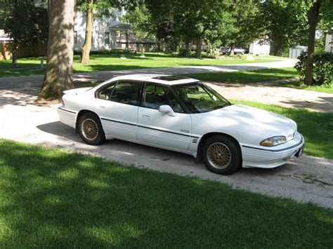 Pontiac Bonneville 1996 by 1996 Pontiac Bonneville Information And Photos Zombiedrive