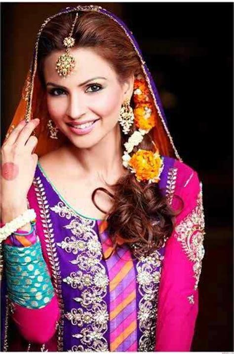 making hairstyles at home in pakistan pakistani mehndi hairstyles for bridals in 2018 fashioneven