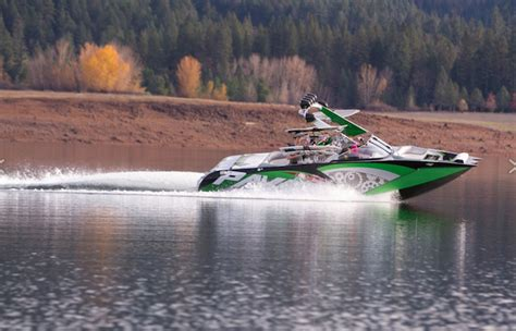 pavati boats dealers pavati offering gm ls v8 engines wakeboard boats gm
