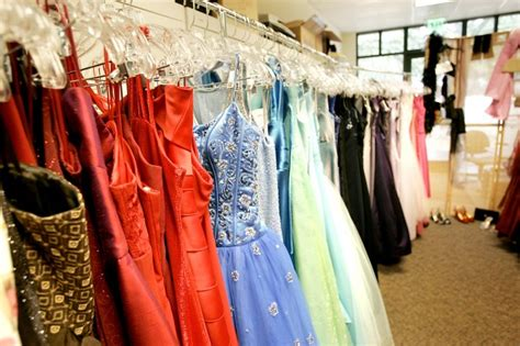 the lending closet lends gowns to high school students