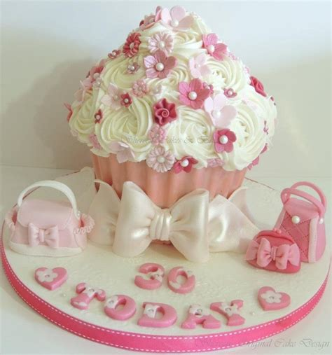Cupcake Birthday Cake by Handbag Cupcake Cakecentral