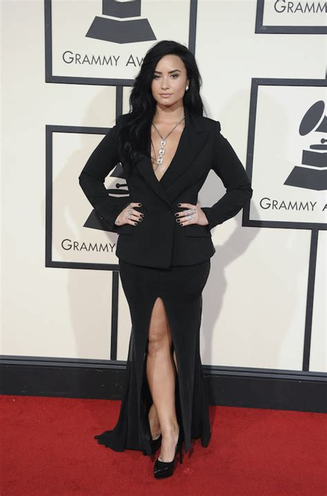 demi lovato i didn t mean to break your heart lyrics dlisted the 58th annual grammy awards arrivals