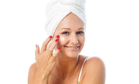 Pelembab Wajah Natur E 4 manfaat pelembab wajah untuk membersihkan wajah