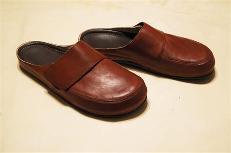comfortable clogs for leather clogs in brown for comfortable clogs all day