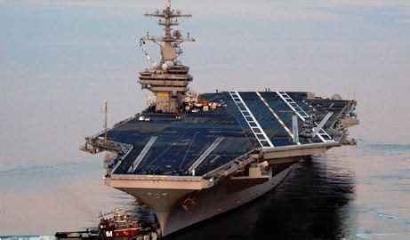 portaerei russa portaerei nucleare della marina militare usa e tre unita