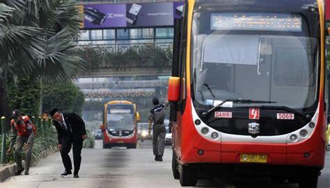 ahok zhong tong sudah dilarang ahok ppd tetap impor bus zhongtong dari