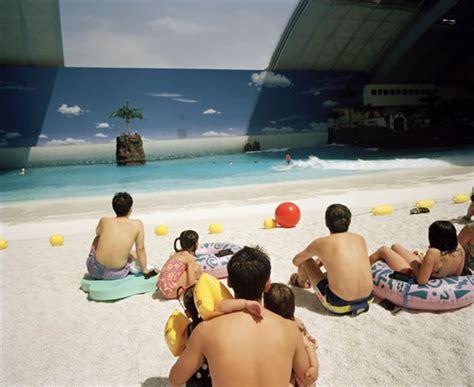 martin parr lifes a exposition life s a beach de martin parr pixfan