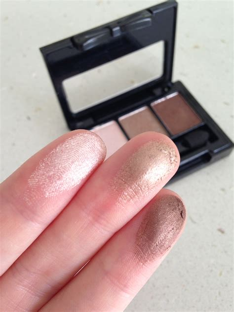 Nyx In the review swatch nyx in eyeshadow palettes
