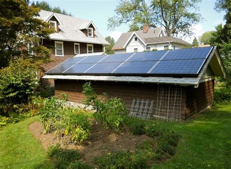Solar Shed Power by How To Use Solar Powered Features In Your Garden