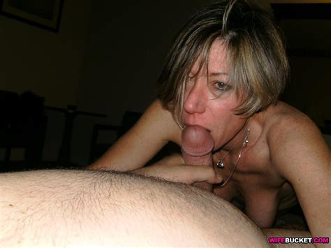 Wifebucket Mature Swinger Shared In A Threesome