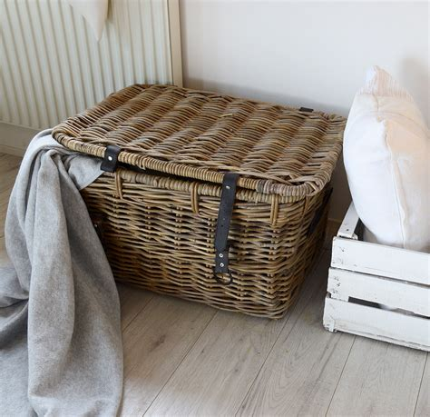 wohnzimmer kissen und decken kuscheliges wohnzimmer mit decken und kissen depot