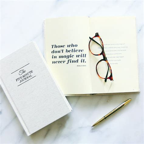 5 minute journal organize your and get most out of each day books the five minute journal simplest most effective way to