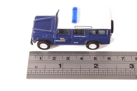 Oxford Land Rover Christmast 2010 hattons co uk oxford diecast 76def014 land rover defender station wagon rnli